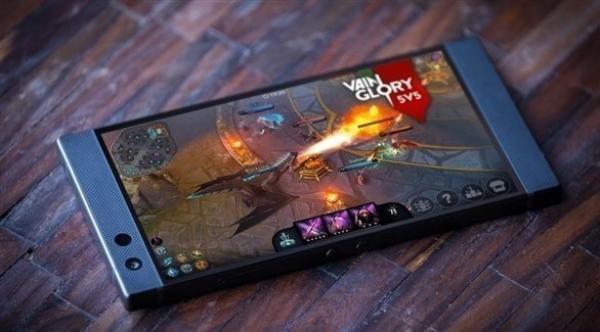 ريزر تكشف الجيل الثاني من هاتفها Razer Phone 2