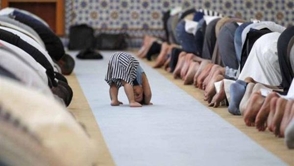ما حكم الشرع في اصطحاب الأطفال إلى المساجد؟