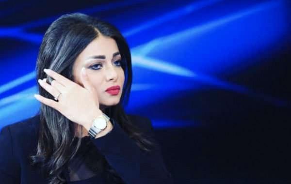بالفيديو.. ردة فعل مذيعة عراقية بعد  توصلها بخبر وفاة شقيقها