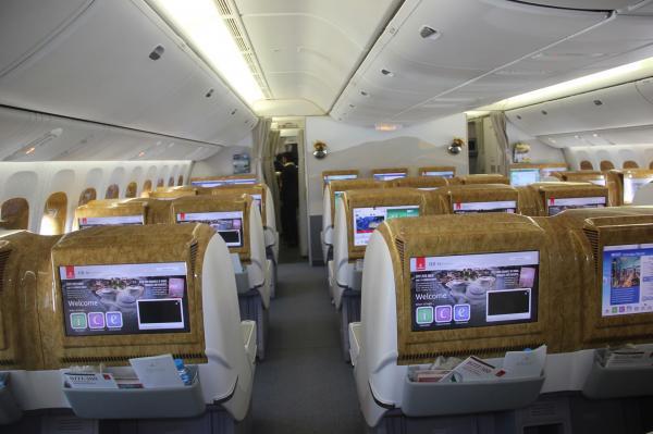 طيران الإمارات تطلق رحلة يومية ثانية بين دبي والدار البيضاء (صور)