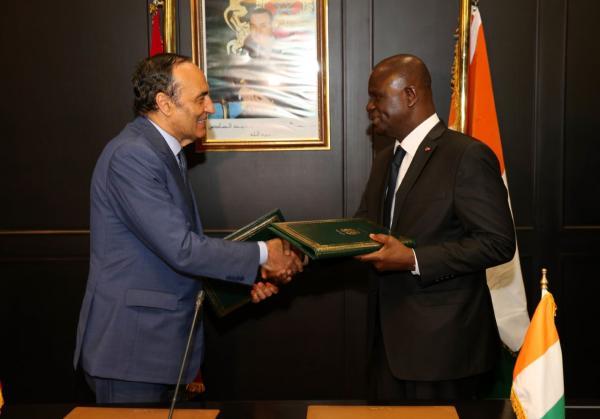"""""""المالكي"""" ورئيس برلمان الكوت ديفوار يجتمعان ويوقعان على هذه الإتفاقية"""