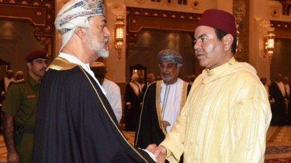 الأمير مولاي رشيد يمثل الملك في تقديم التعازي في وفاة السلطان قابوس