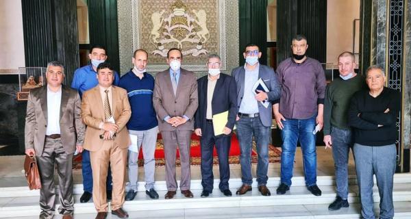 """لأول مرة في تاريخ المغرب: """"البرلمان"""" يستقبل مزارعي """"الكيف"""" وفرق نيابة تتفاعل إيجابا مع مذكرتهم التعديلية"""