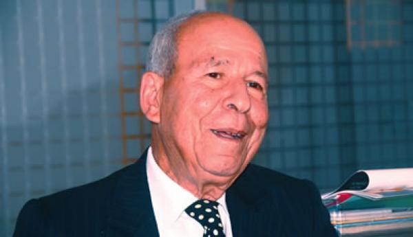 وفاة الإعلامي والحقوقي المعروف مصطفى اليزناسني