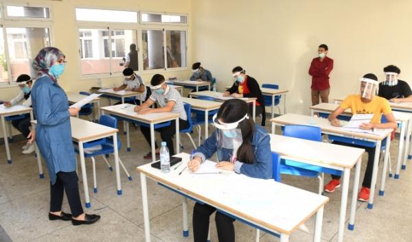 """بيان مزعوم عن تأجيل امتحانات السنة الأولى باكلوريا يربك المغاربة و""""أمزازي"""" يسارع إلى التوضيح"""