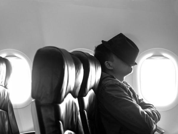 كيف تحصل على نوم مريح على متن  الطائرة؟