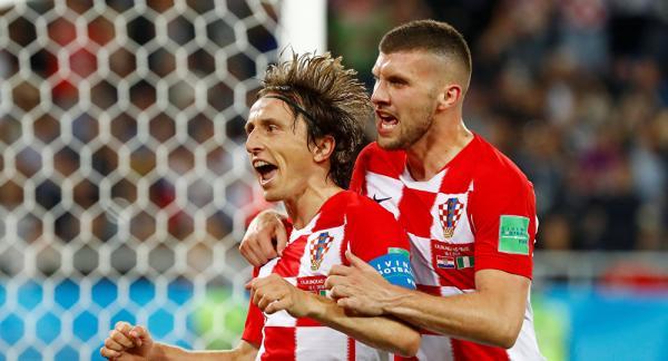 مودريتش يعود إلى قائمة كرواتيا بعد تعافيه من الاصابة