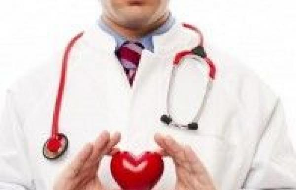 4 طرق للحفاظ على صحة قلبك أثناء العمل