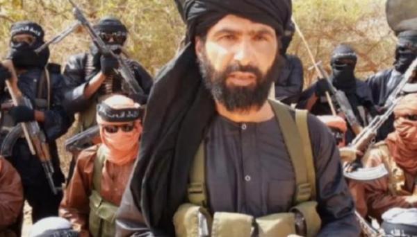 """هذا هو """"عدنان أبو وليد الصحراوي"""" عضو البوليساريو الذي كان يقود أكبر تنظيم إرهابي بالصحراء الكبرى قبل أن تصطاده فرنسا"""