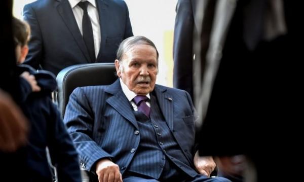 """حالة """"بوتفليقة"""" تزداد تدهورا وجنرالات الجيش يستعدون للإعلان عن خليفته"""