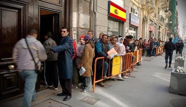 """دراسة تكشف """"التأثير الكبير"""" لأزمة """"كورونا"""" على المغاربة المقيمين بإسبانيا"""