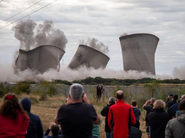 انهيار محطة طاقة في بريطانيا يتسبب في انقطاع تام للكهرباء عن مدينة بأكملها