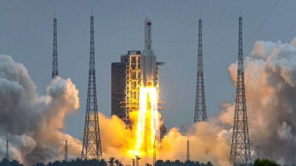 صاروخ صيني خارج السيطرة سيسقط على الارض خلال الايام القادمة