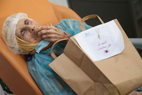 تفاصيل تعافي مسنة مغربية عمرها 110 سنة من مرض كورونا (صور)