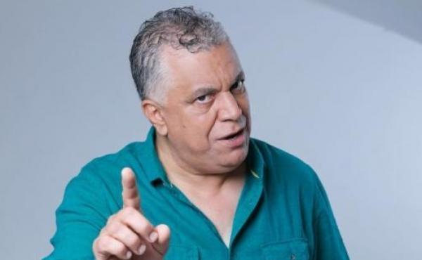 """بعد أن اتهم بالنمطية: سيتكوم """"كلنا مغاربة"""" يتيح لـ""""الخياري"""" تقمص دور جديد يمارسه في حياته الخاصة"""