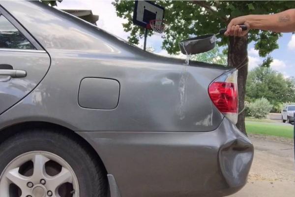 هذه طريقة بسيطة لإصلاح الصدمات البسيطة في سيارتك