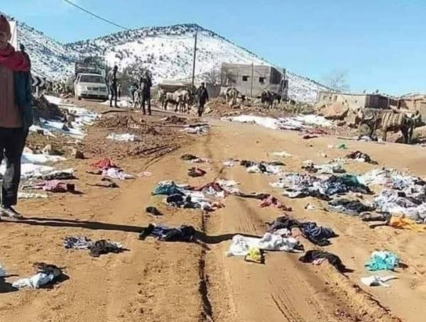 """ساكنة بأعالي جبال أزيلال ترمي ملابس """"الإحسان"""" وتُطالب بالمشاريع التنموية"""