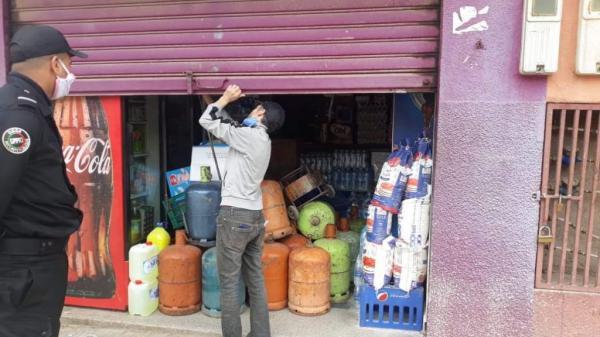 أمام ضغط التجار ... سلطات القنيطرة تمدد توقيت إغلاق المحلات التجارية