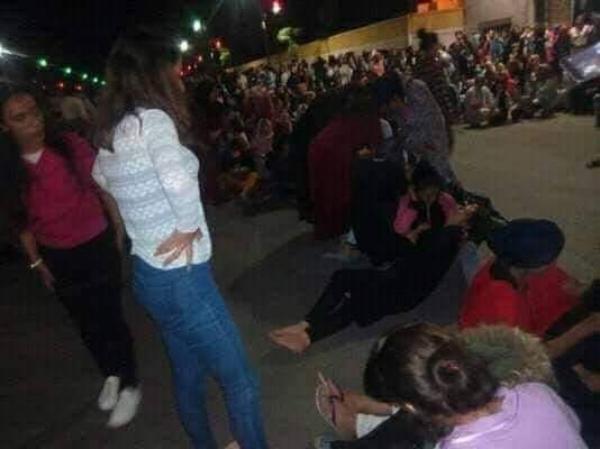 بالفيديو و الصور: 60 حالة تسمم في صفوف طالبات الحي الجامعي بفاس بسبب «الحريرة» و «الدجاج»