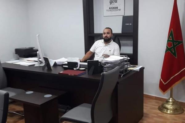 """رئيس جمعية """"مغاربة العالم مالقا تطوان"""" يستنكر تدنيس العلم المغربي ويطالب السلطات الاسبانية بفتح تحقيق في الحادث"""
