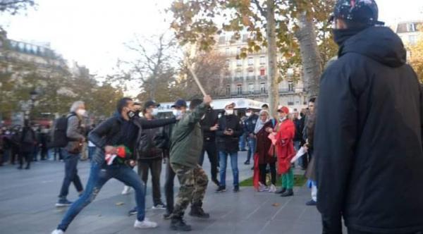 القضاء الفرنسي يلاحق مرتزقة البوليساريو بعد اعتدائهم على وقفة الجالية المغربية في باريس