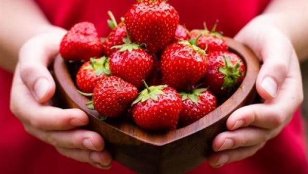 4 أطعمة لها مفعول السحر على بشرتك وجمالك