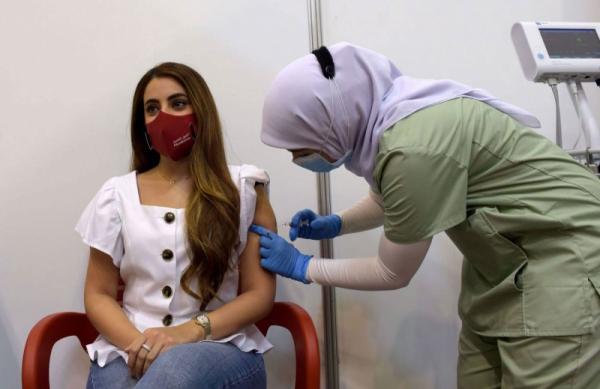 """للمرة الثانية في أقل من أسبوعين...وزارة الصحة توسع لائحة الفئات السنية المعنية بتلقي لقاح """"كورونا"""""""