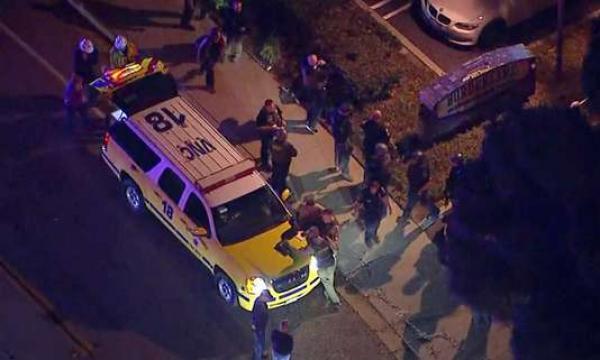 12 قتيلا على الأقل وعشرات الجرحى في إطلاق نار بحانة في أحد أحياء لوس أنجلس الراقية
