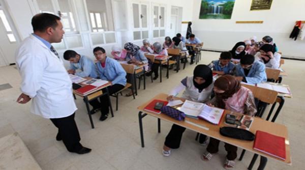 """""""أمزازي"""" يبشر حملة الشواهد العاطلين : سنوظف 200 ألف أستاذ جديد"""