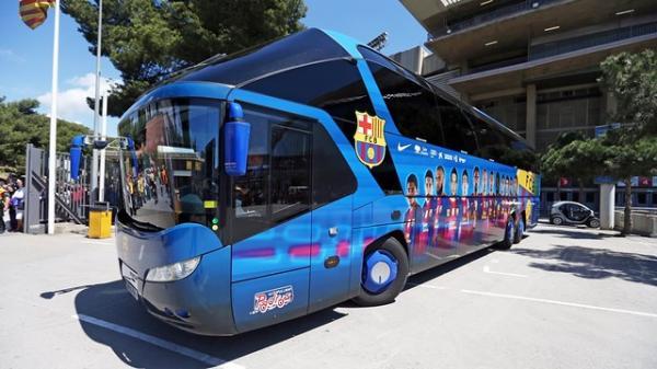 حافلة برشلونة تتيه في شوارع السعودية