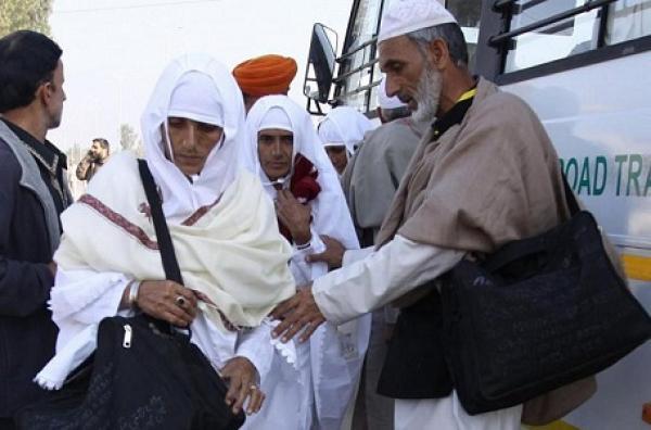 حجاج مغاربة يبيتون في العراء بالسعودية بعد تعرضهم للنصب
