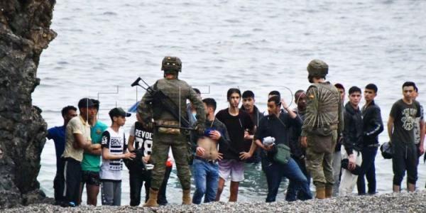 """آخر الأرقام الرسمية المتعلقة بـ""""حرب الهجرة السرية"""" الدائرة بين المغرب وإسبانيا (فيديو)"""