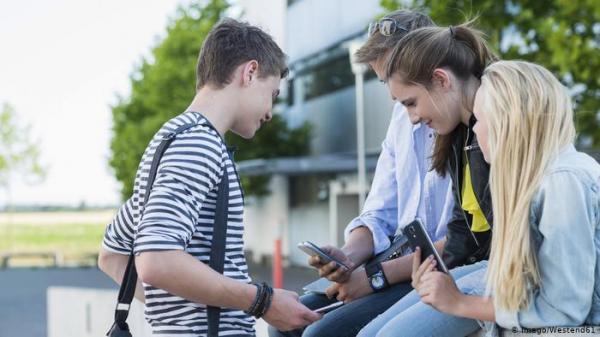 دراسة: وسائل التواصل الاجتماعي تعرض الأطفال والمراهقين للتنمر