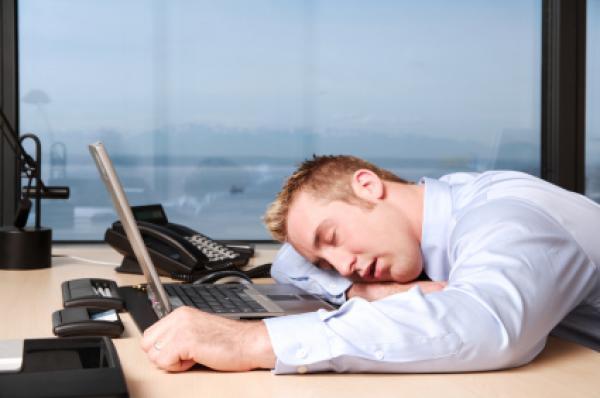 ما مدى أضرار العمل من البيت على جسم الإنسان؟