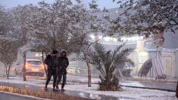 تواصل هطول الثلوج وأمطار الخير بهذه المناطق المغربية