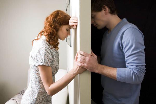 ما الحل الأمثل عند تفاقم المشاكل بين الزوجين؟