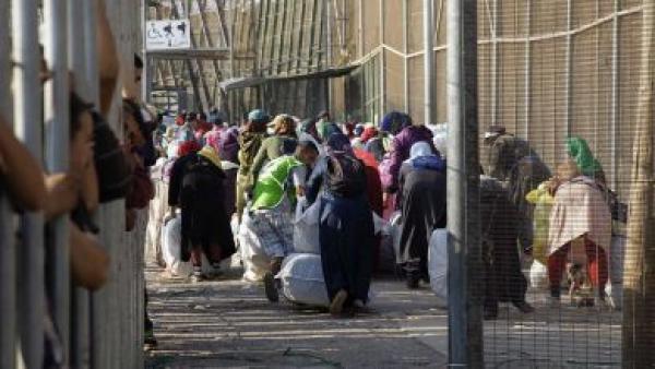 تواصل إبرام عقود النساء المتضررات من إغلاق معبر باب سبتة