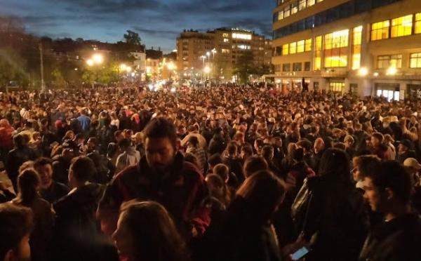 الشرطة البلجيكية تفرق تجمعا ليليا لمئات الشبان في بروكسيل