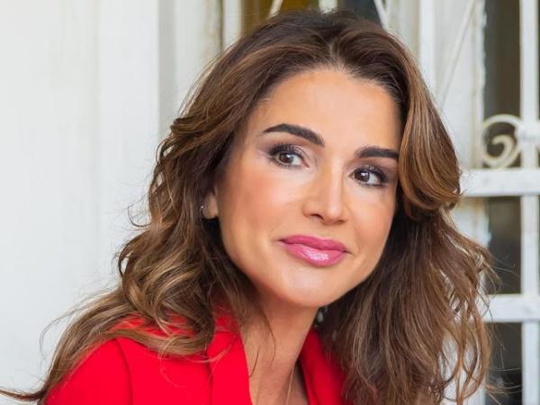 """الملكة رانيا تفاجئ الشعب الأردني برسالة """"عتاب"""" غير مسبوقة!"""