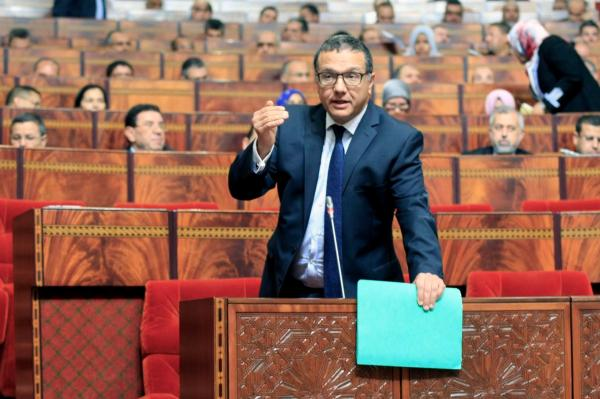 """الحكومة ترفض التخلي عن زيادة الضريبة على المحروقات و""""البوتاغاز"""" رغم المعارضة البرلمانية"""