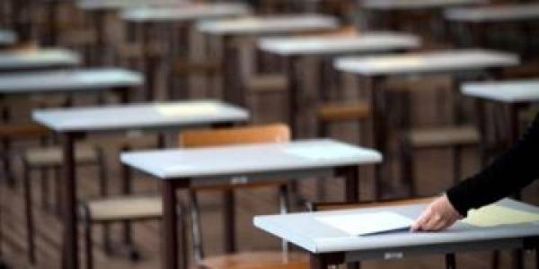 تضارب الأنباء حول سنة دراسية بيضاء ووزارة التعليم تقطع الشك باليقين