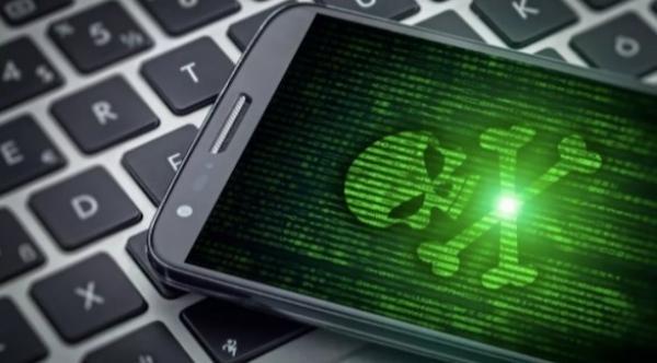 تحذيرات من  تطبيقات على أندرويد يمكن أن تسرق كلمات مرور فيسبوك