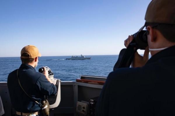 البحرية الملكية والمارينز الأمريكية في مناورة عسكرية بالشريط الساحلي بين طانطان وأكادير