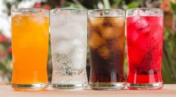 المشروبات السكرية لها تأثير على زيادة الوزن أكثر من الحلويات