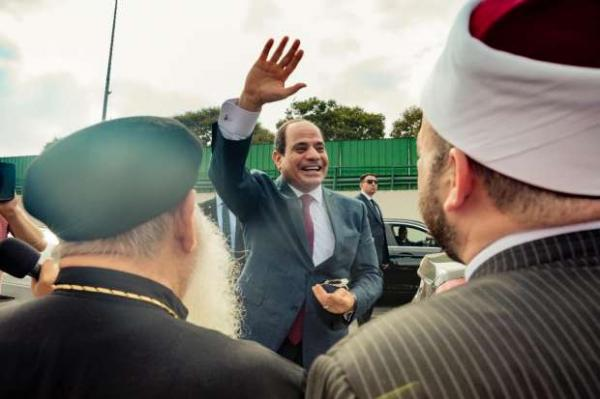 """مهزلة..رجل دين مصري يؤكد أن من سيتظاهر ضد """"السيسي"""" مصيره جهنم لأنه مرسل من عند الله"""