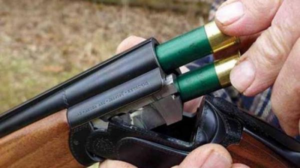 أكادير: طبيب أسنان يطلق النار من بندقيته على مجموعة من المراهقين والأمن يدخل على الخط