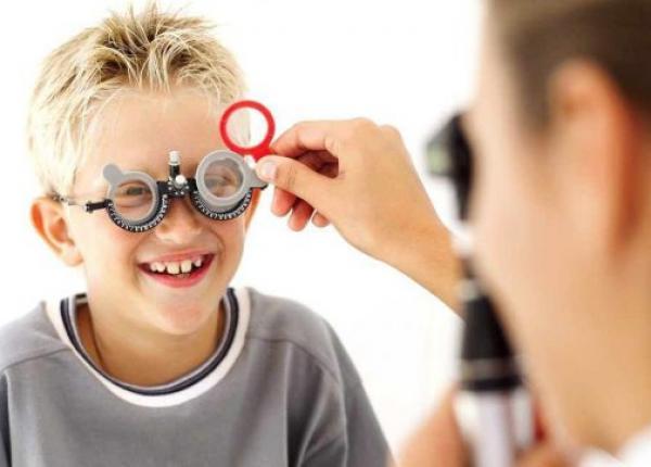 الحرب بين أطباء العيون والنظاراتيين (على جيوب المواطن) تدخل مرحلة جديدة وشركات بيع النظارات تدخل على الخط