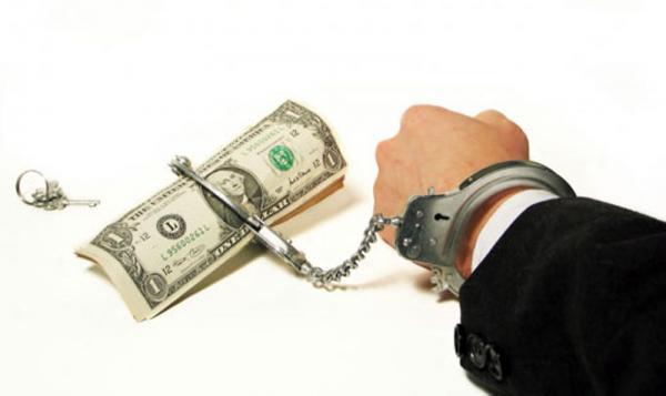 """السلطات الهولندية تسلم المغرب """"جمركيا"""" متهما بإختلاس أزيد من مليار سنتيم"""