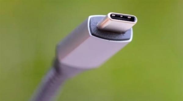 """إطلاق جهاز """"يو إس بي"""" بقوة هائلة تبلغ 240 واط لأجهزة الكمبيوتر المحمولة"""
