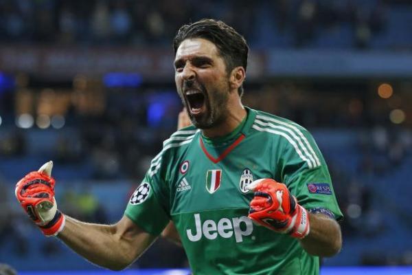 بوفون يسجل رقما قياسيا في الدوري الإيطالي